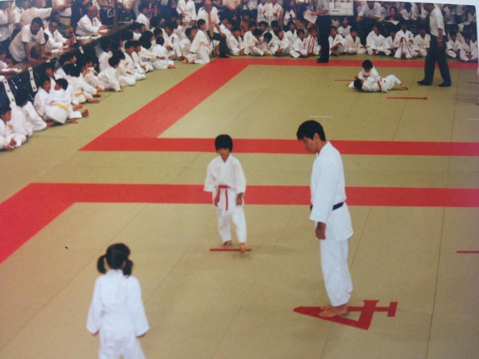 Misato tells us that judo taught her resilience.